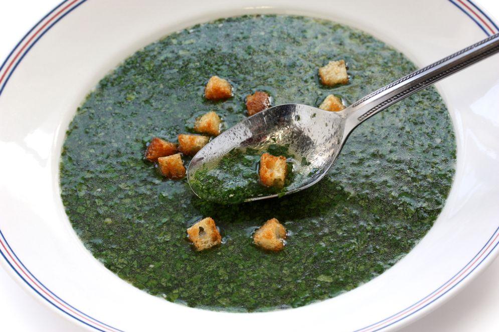 מרק מלוחיה – מרק מצרי עם רוטב בצד של פותנה ג'אבר