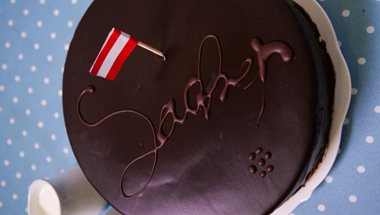 זאכרטורטה של מיקי שמו – עוגת שוקולד אוסטרית