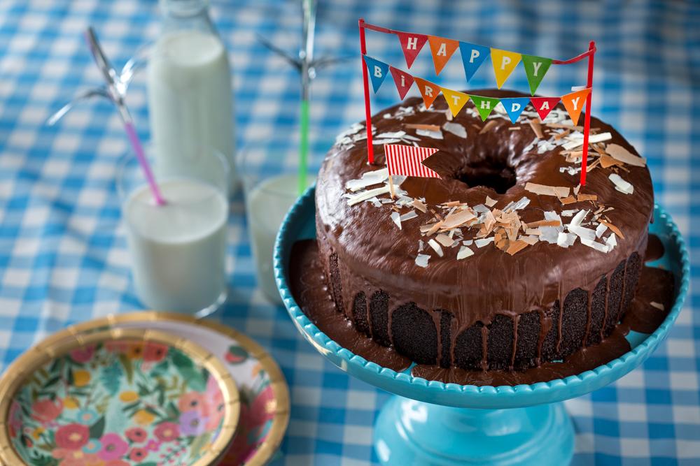 עוגת שוקולד עם יוגורט של מיקי שמו