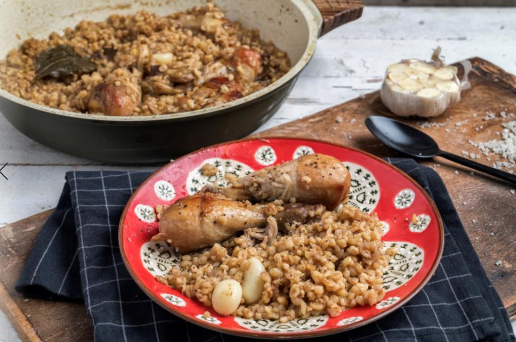 תבשיל בורגול ועופות בדואי של אבי ביטון