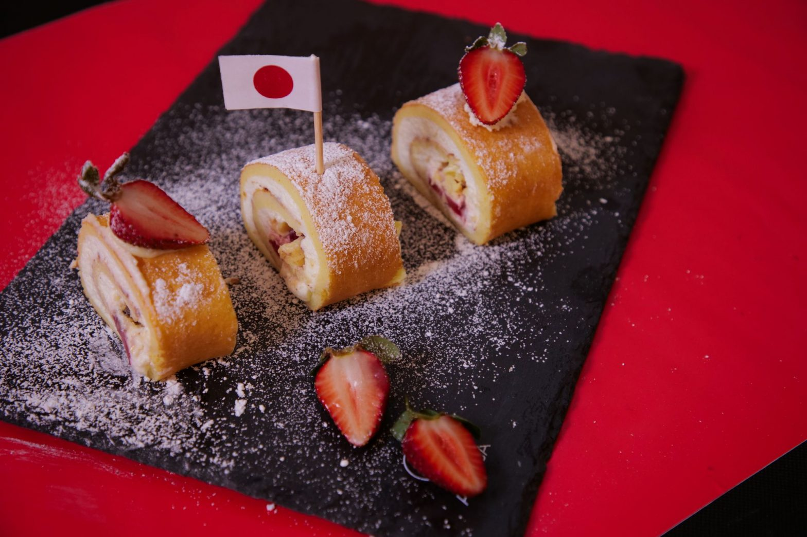 רול קייק – עוגת רולדה של מיקי שמו