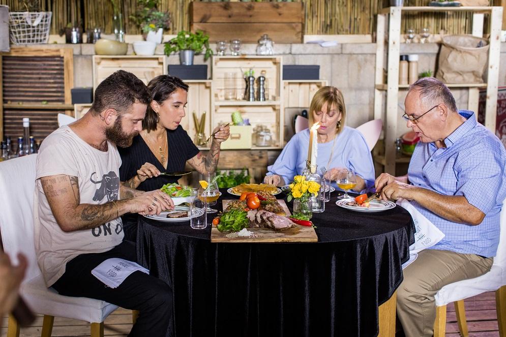 סטוריז פרק 8: ארוחת שישי