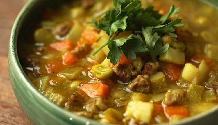 מרק בשר עם פולים של ג׳קי אזולאי