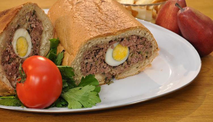 לחם ממולא בקלופס עם מחמצי אגסים