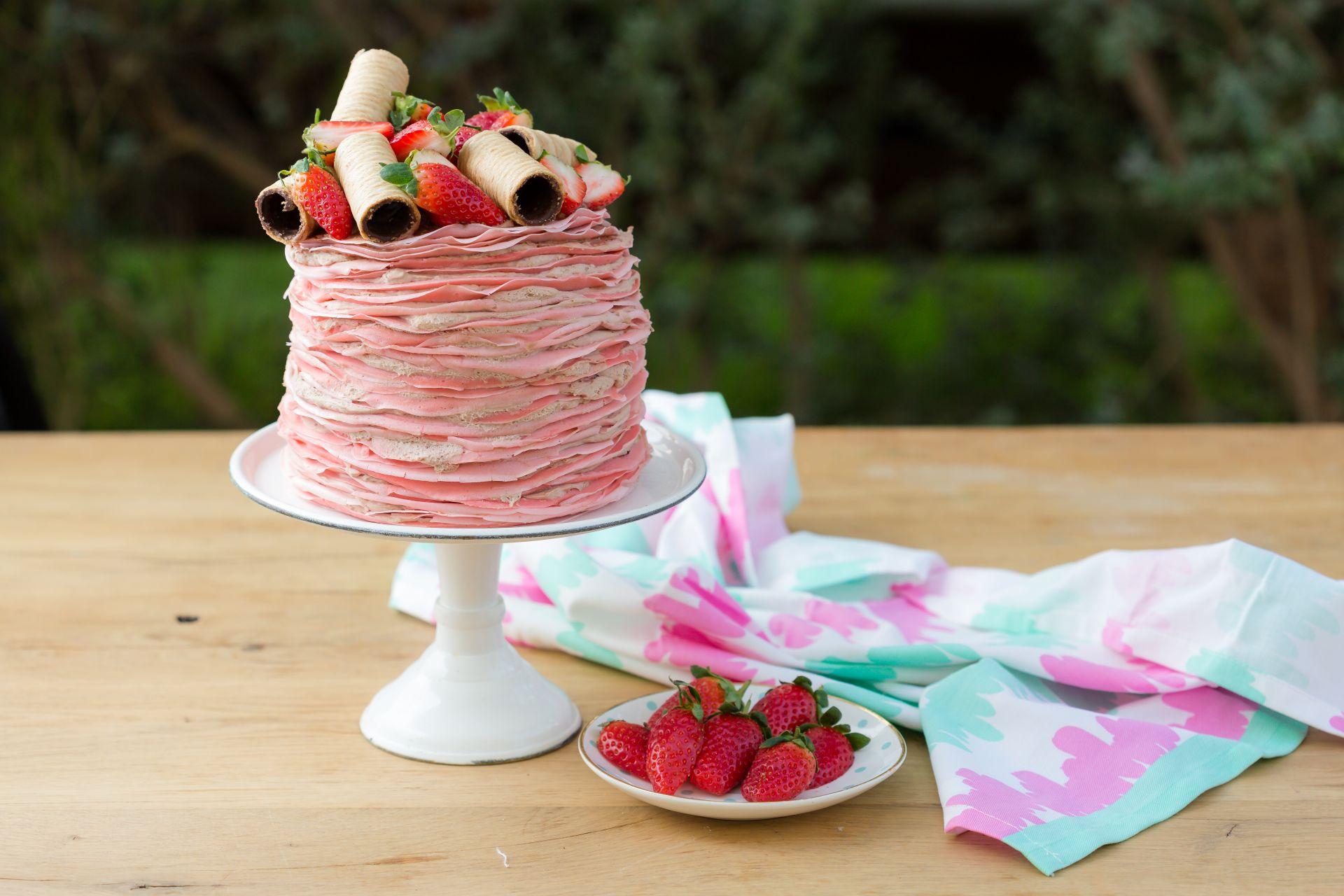 עוגת קרפים ורודה של אור שפיץ