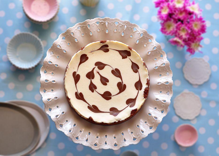 עוגת גבינה ולבבות שוקולד של רות אופק