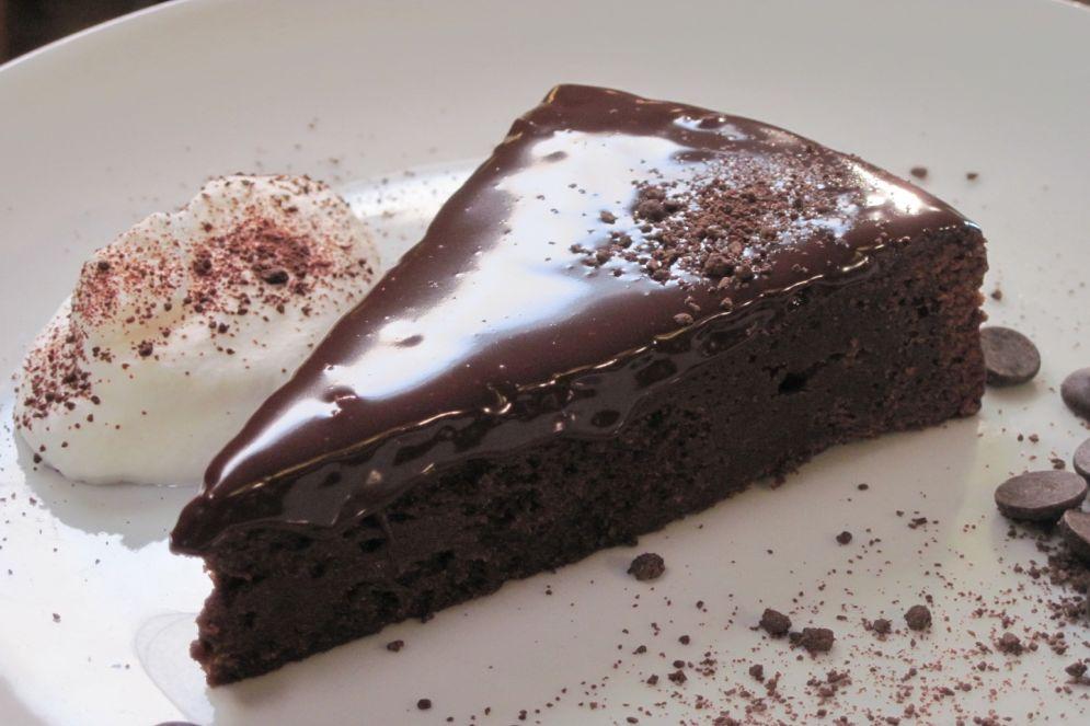 עוגת שוקולד חמה של מיקי שמו - קלה להכנה