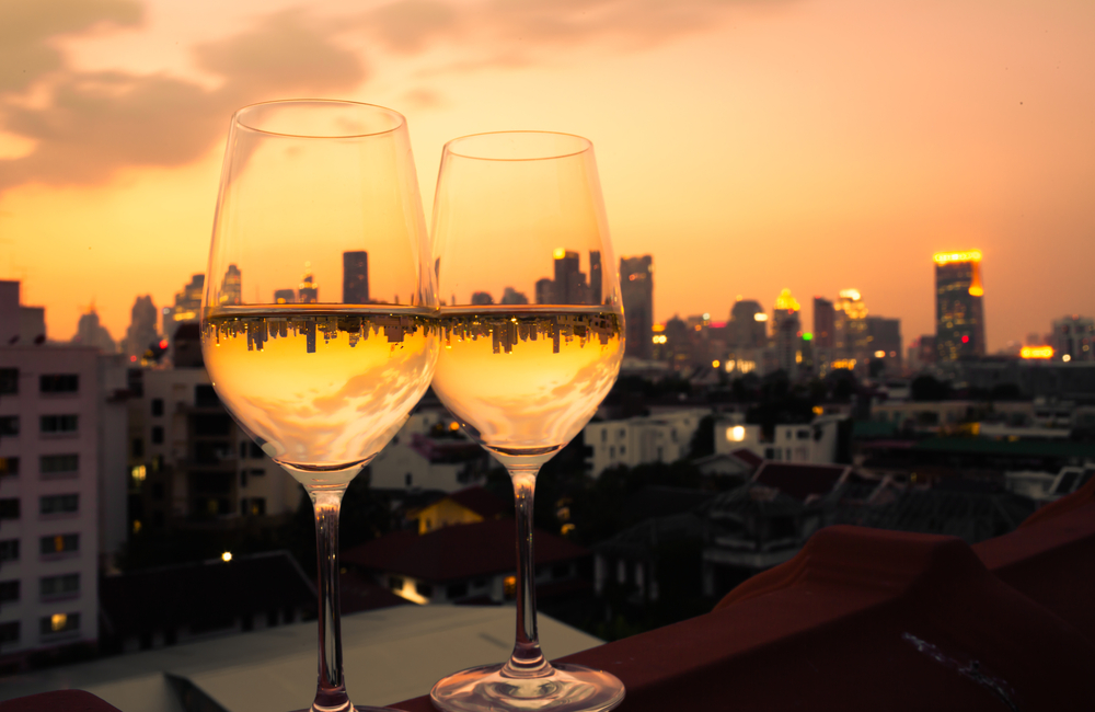 על גג העולם: כל המקומות לחגוג, לאכול וליהנות בהם על הגג בשיא הסטייל