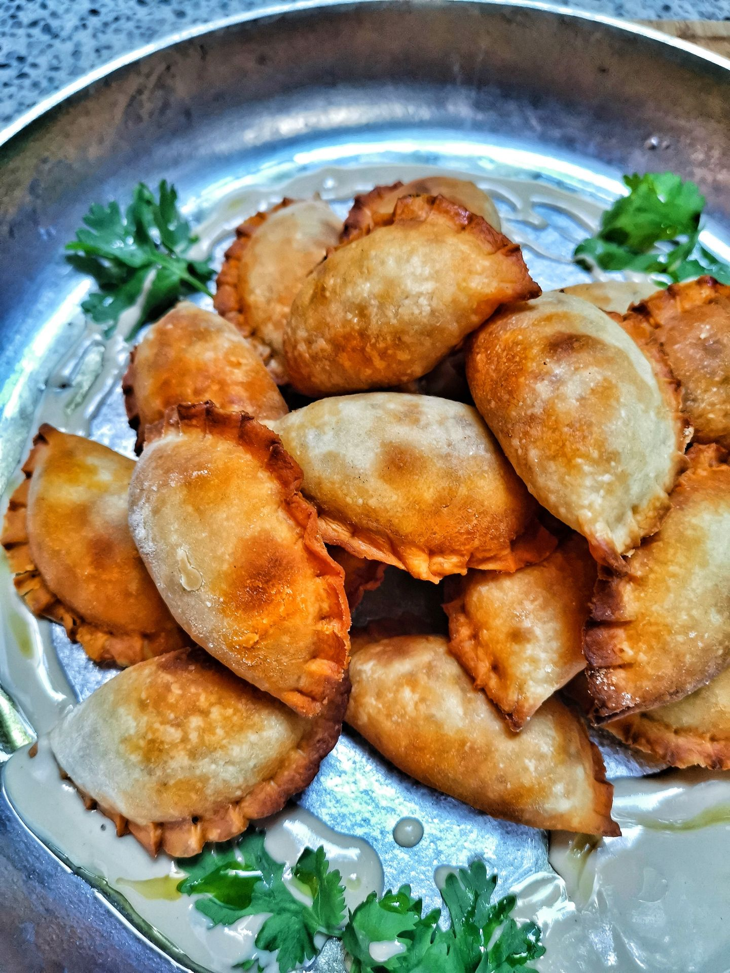 סמבוסק טונה וזיתים של אודי ואושר – מאפה בריא וטעים