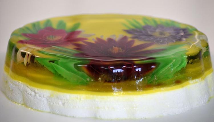 עוגות גבינה וג'לי בעיצוב פרחוני של מלכת הג'לי