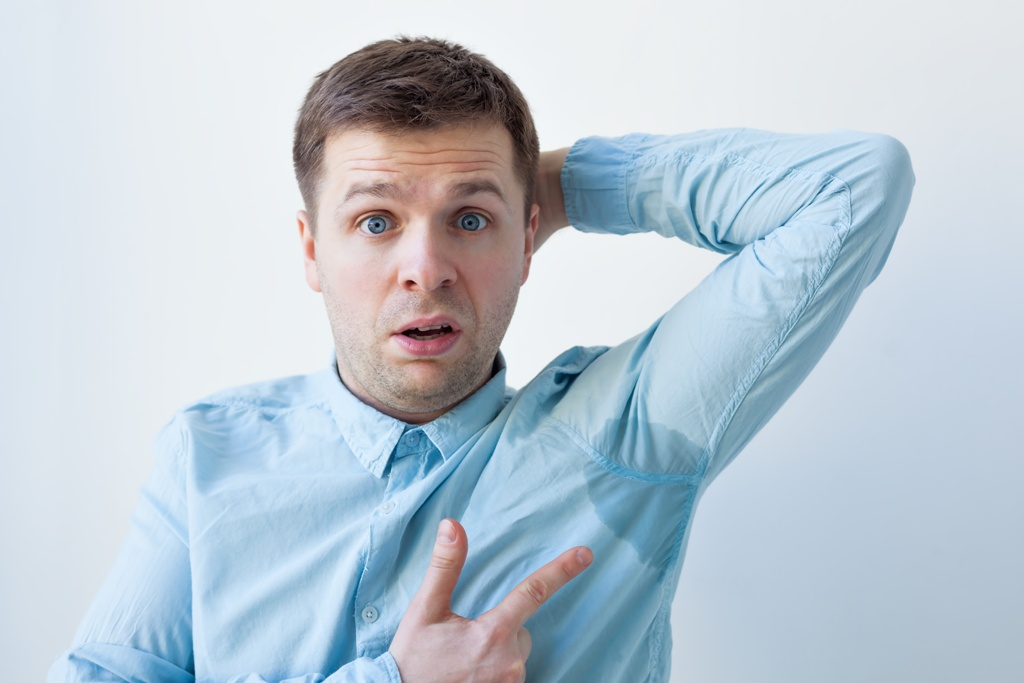 שוב עיגולי זיעה: איך להימנע ולטפל בהזעת יתר