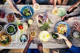 איך לתכנן ארוחה חגיגית מוצלחת?